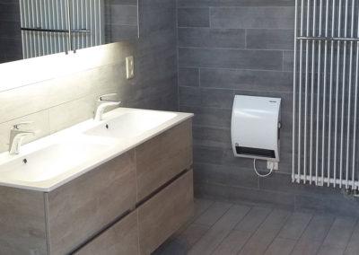 Bathroom-1-Sink-Radiator