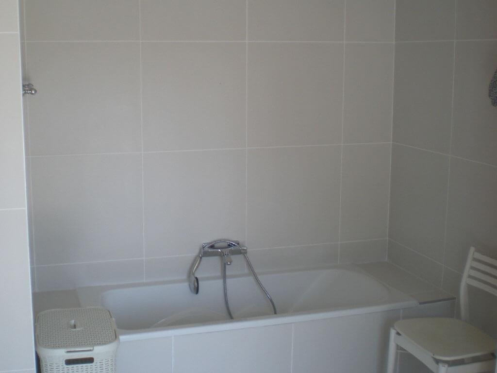 Bathroom-4-Bathtub-After