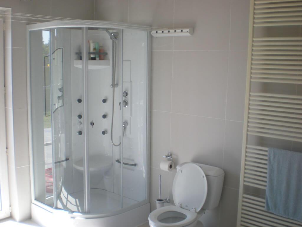 Bathroom-4-Shower-Toilet-After